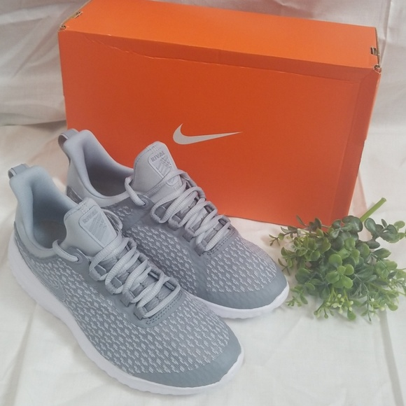 watch e024e e912d Nike Renew Rival Running Athletic Shoes Size 4Y